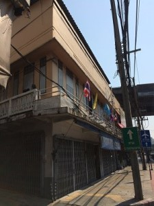 10 Block Shophouse on Main Road Hua Lamphong View1