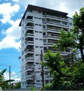 11-Storey Shophouse on Sukhumvit 63-65 Alley (Ekkamai Area) View1