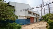 Land and building in Navanakorn for sale